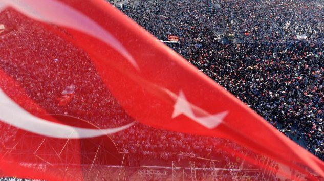 """ÖLÜMDEN KORKMAYAN ŞEREFLİ DEDELERİN TORUNLARI """"DOLAR TERÖRÜ""""NDEN KORKAR MI?!"""