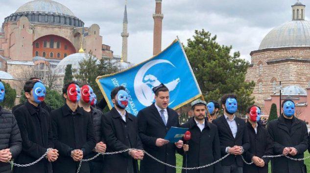 ÜLKÜ OCAKLARINDAN İNSAN HAKLARI GÜNÜNDE ZİNCİRLİ PROTESTO