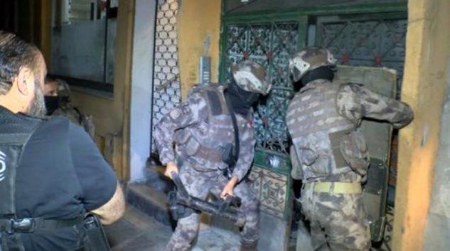 İSTANBUL'DA 5 İLÇEDE UYUŞTURUCU OPERASYONU